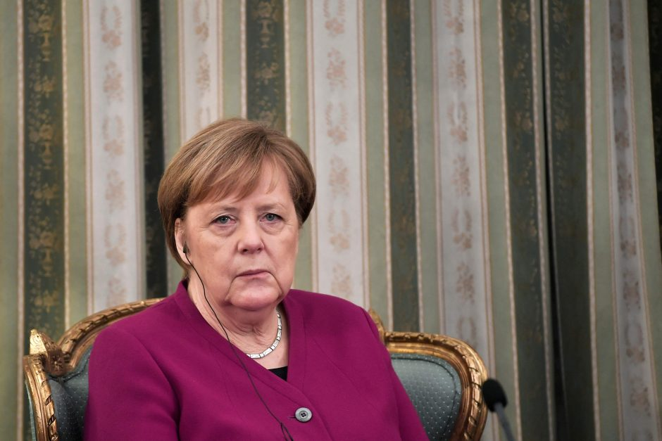 A. Merkel: Vokietija prisiima atsakomybę už nacių nusikaltimus Graikijoje