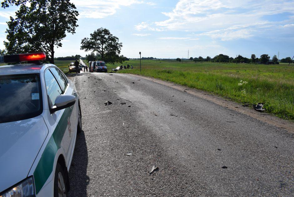 """Alytuje per dviejų """"Audi"""" kaktomušą nukentėjo 7 žmonės (ieškomi avarijos liudininkai)"""