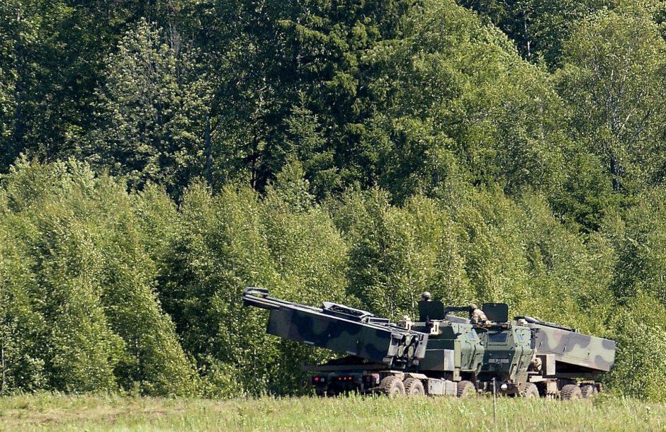 Lenkija modernizuoja pajėgas: iš JAV pirks raketų sistemas