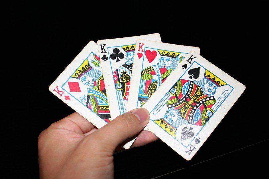 Pažvelkime atidžiau: kodėl kortose skiriasi karalių veido bruožai?