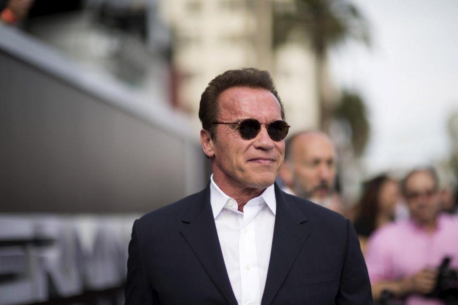 D. Trumpas sulaukė A. Schwarzeneggerio raginimo