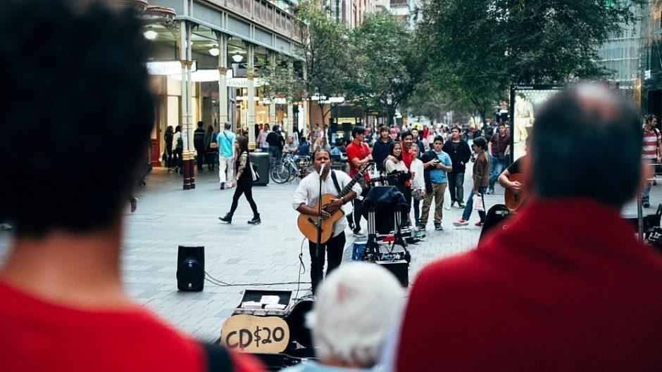 Londone gatvės muzikantams bus galima sumokėti ir bekontaktėmis kortelėmis