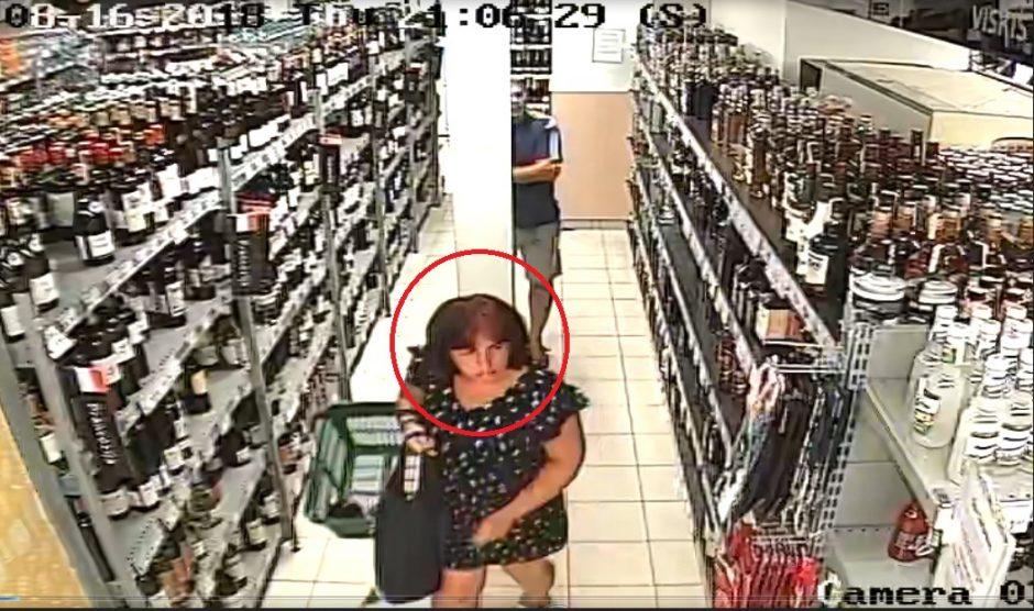 Parduotuvėje pasiėmė viskio butelį ir pasišalino (ši moteris gali padėti tyrimui)