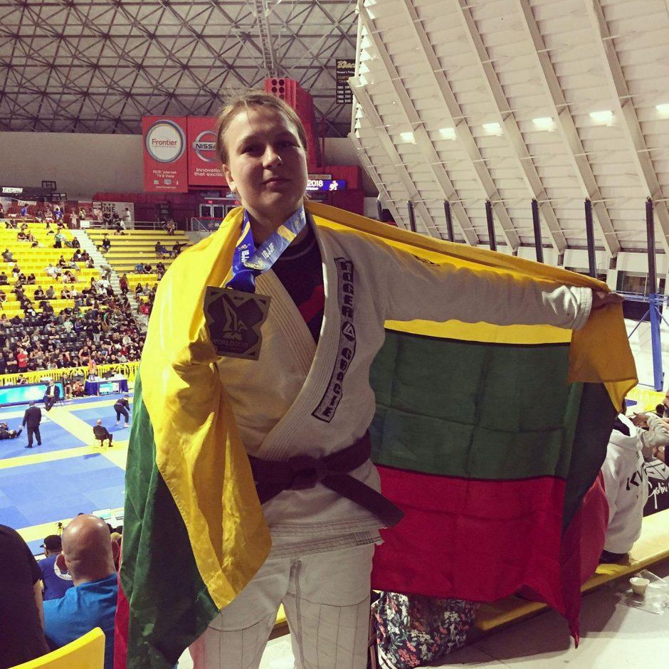 Tokia pirmoji: Lietuvos kovotoja pakviesta į UFC