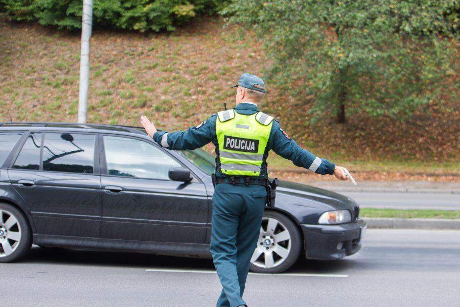 Reido metu – nestojantis nepilnametis BMW vairuotojas
