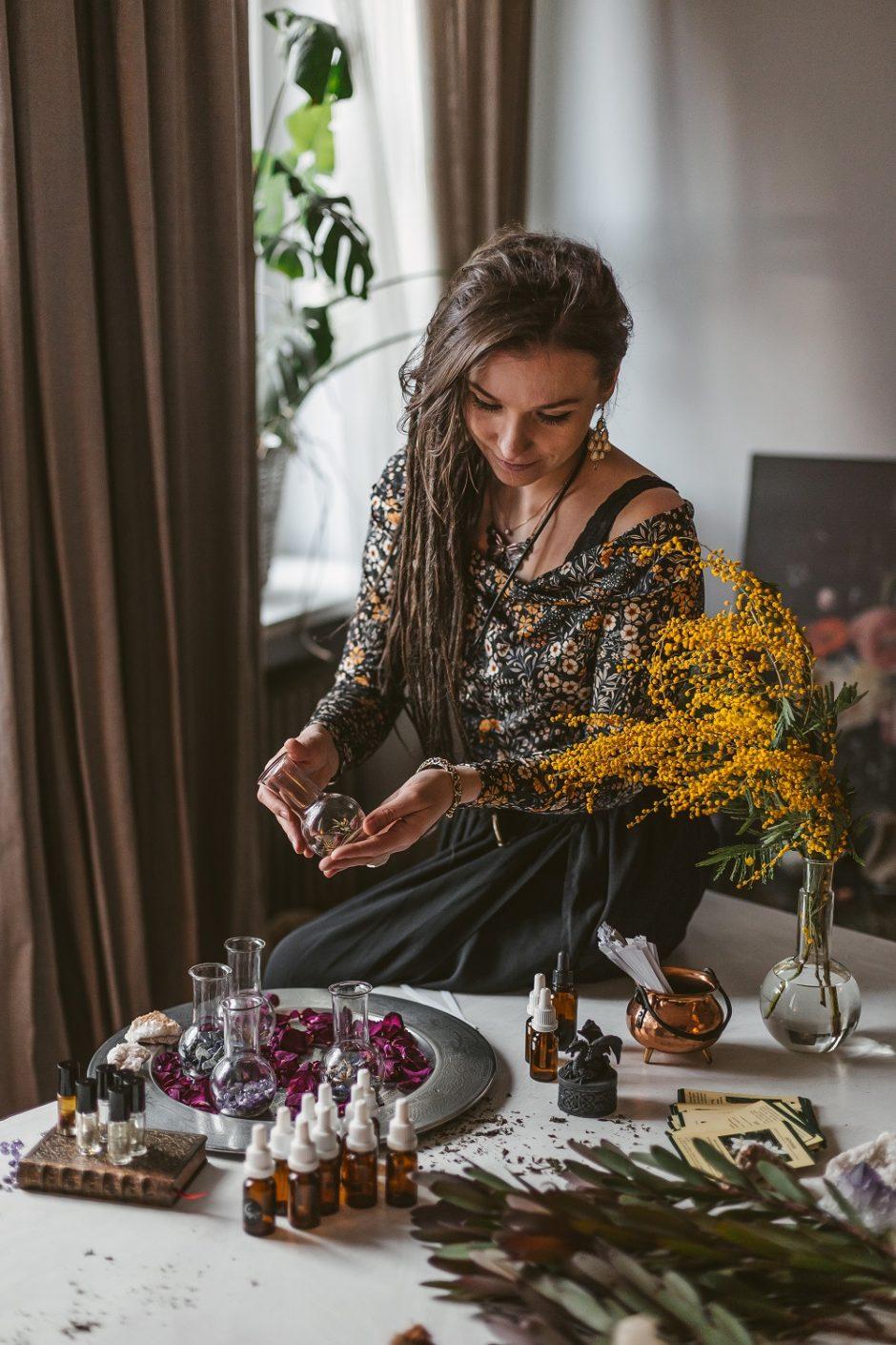 Parfumerė E. Jonaitytė: kvepalų kūryba – tarsi dienoraščio rašymas
