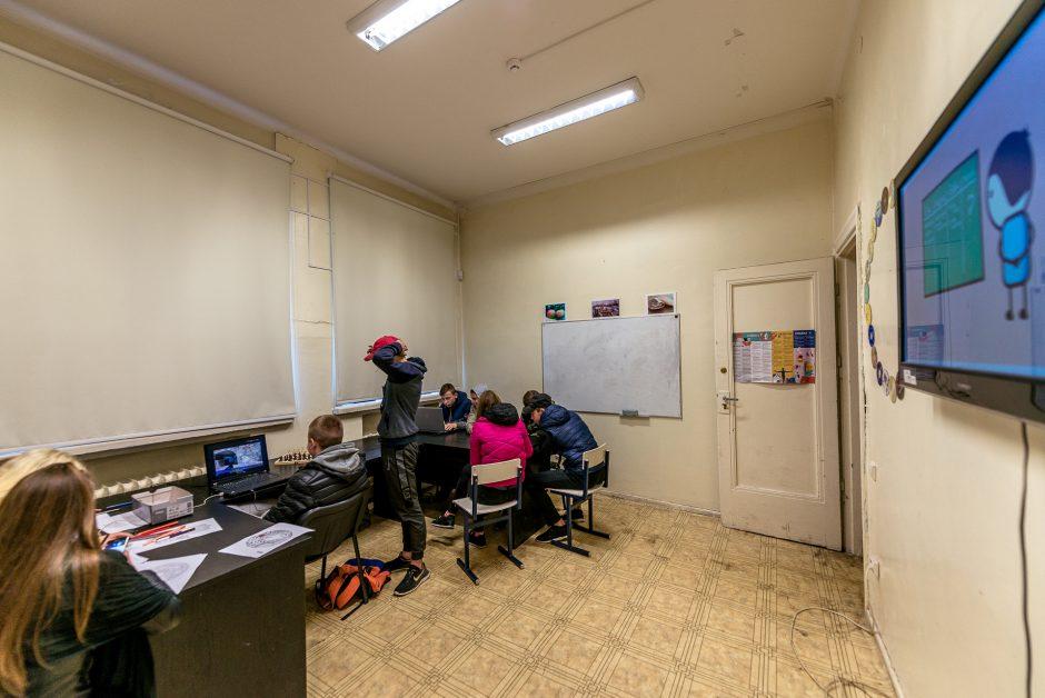 Siūlo alternatyvą: vietoj slampinėjimo gatvėmis – visiems atvira jaunimo erdvė