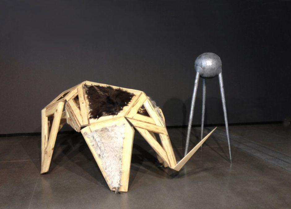 Skulptoriaus darbuose – kūrybos ir autoironijos galia