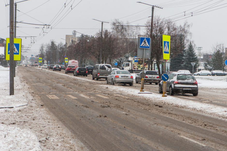 Apie situaciją Kauno gatvėse: kai kur važiuoti – tikra tragedija