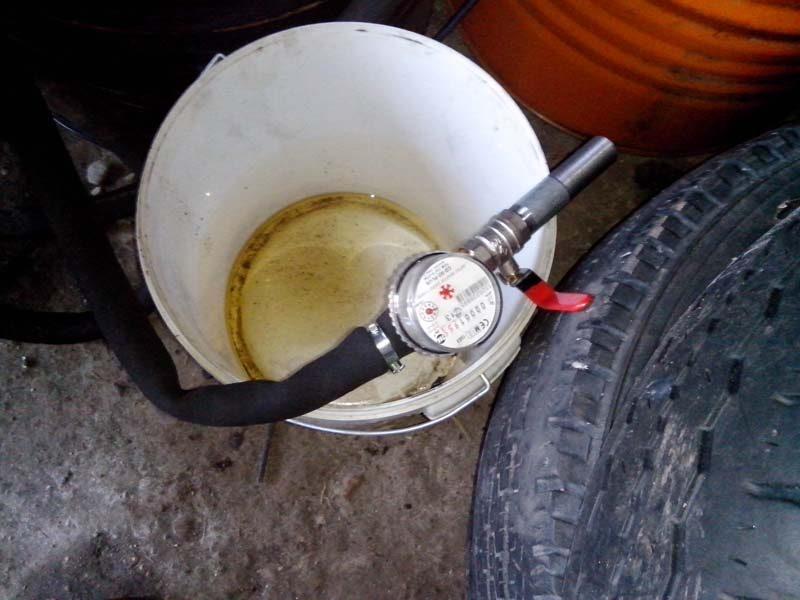 Šilutės garažų masyve - prekybos alkoholiu ir degalais