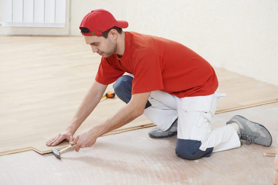 Būsto remontuotojai lenda iš šešėlio