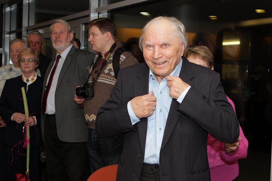 Klaipėdos miesto garbės piliečiu siūlomas fotomenininkas V. Straukas