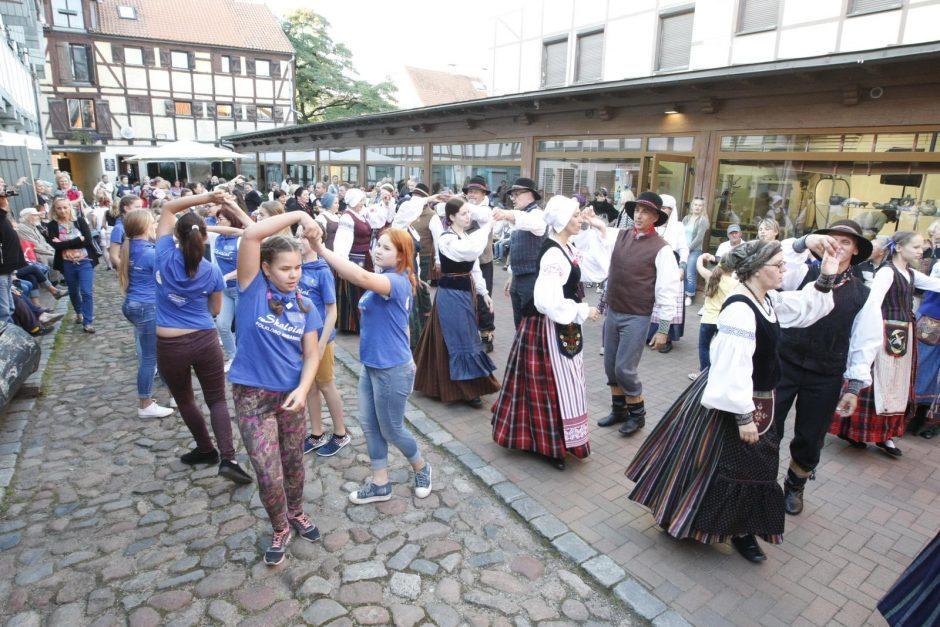 Lietuvininkų dimai ir šokiai Klaipėdoje su visa Lietuva