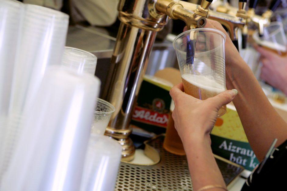 Rusijoje per alkoholio gėrimo konkursą į komą paniro trys dalyviai