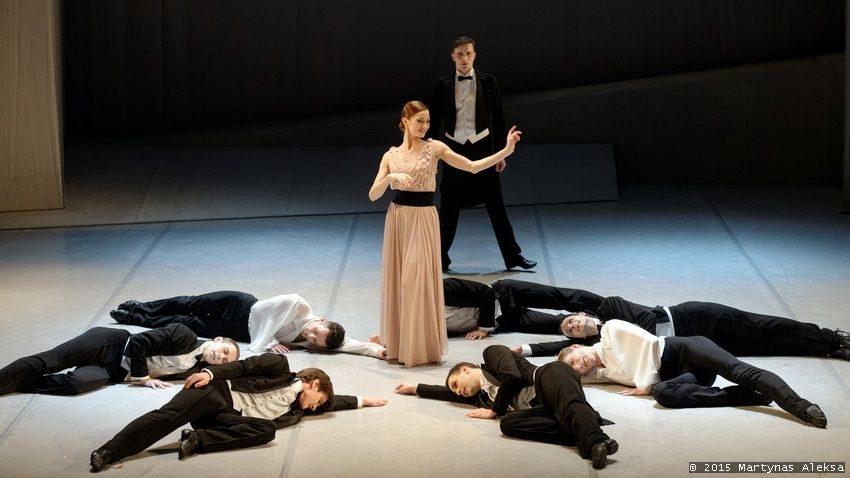 """A. Mikalajūnaitė medaus mėnesį  iškeitė į pasiruošimą baletui """"Graikas Zorba"""""""