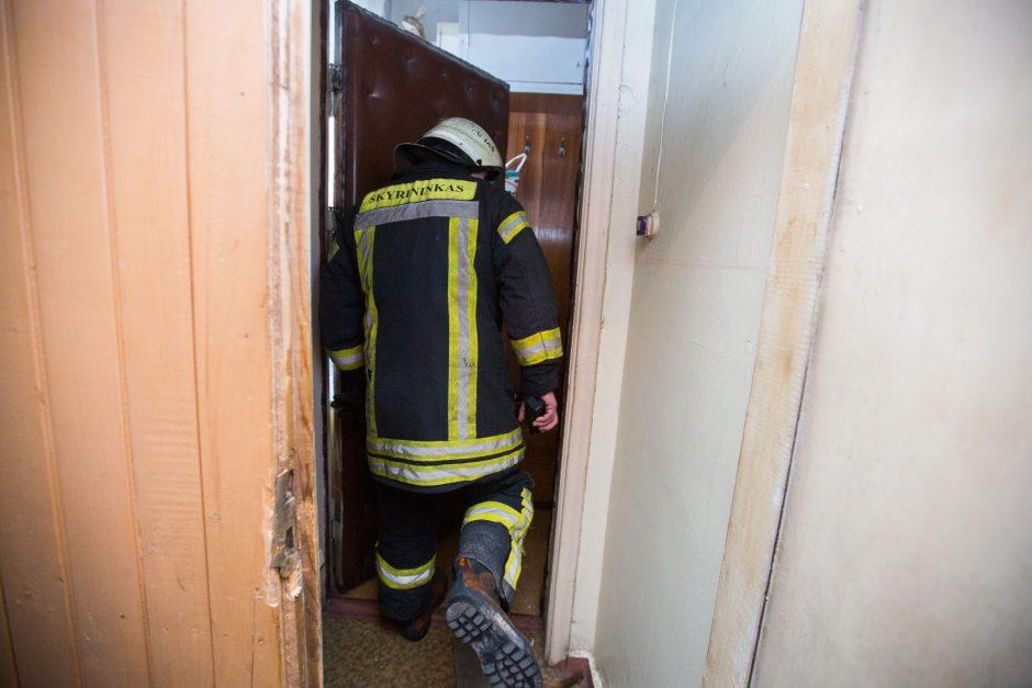 Telšiuose per gaisrą bute nukentėjo žmogus