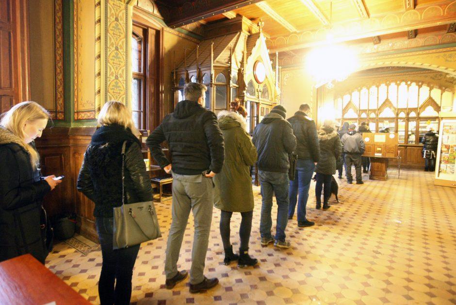 Gyventojų apgultis Klaipėdos centriniame pašte nesibaigia