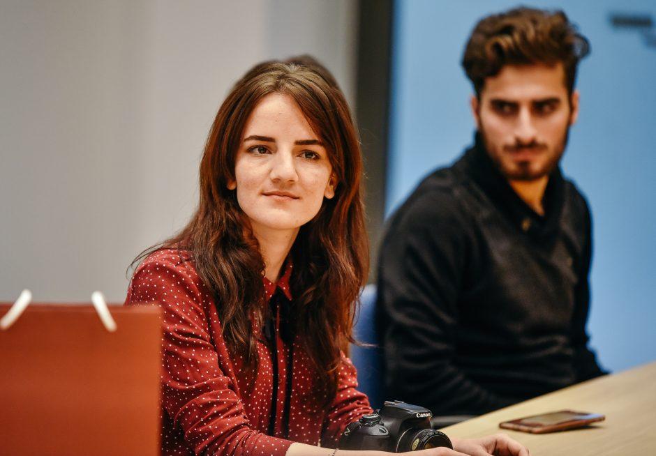 JAV įteikė prestižinį apdovanojimą LCC tarptautinio universiteto studentei