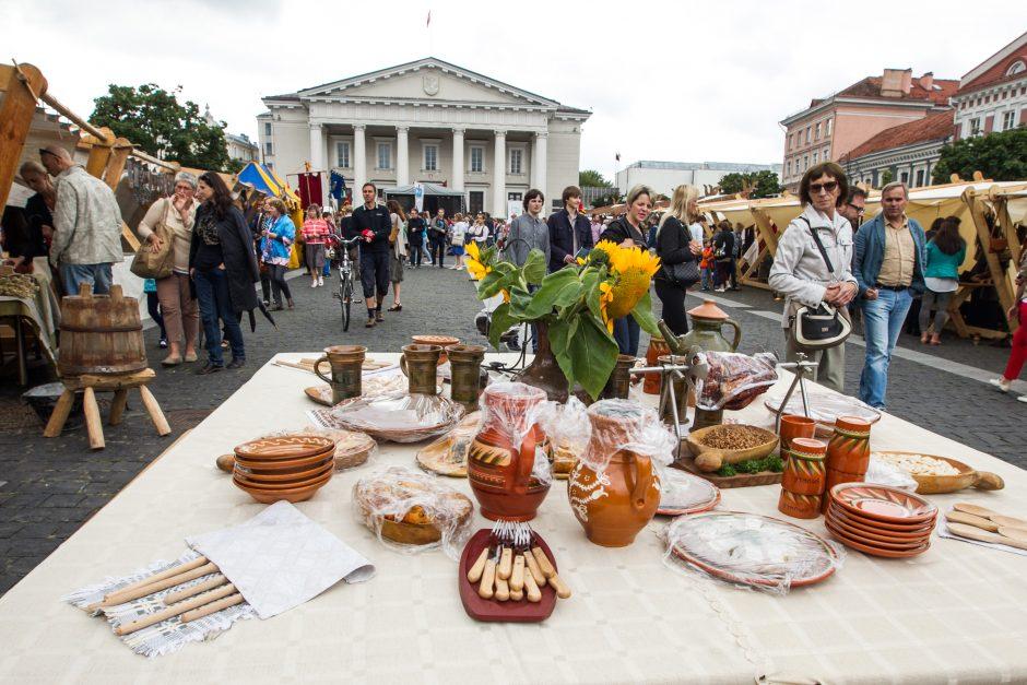 Vilniuje Rotušės aikštė trumpam pavirto viduramžių amatų centru