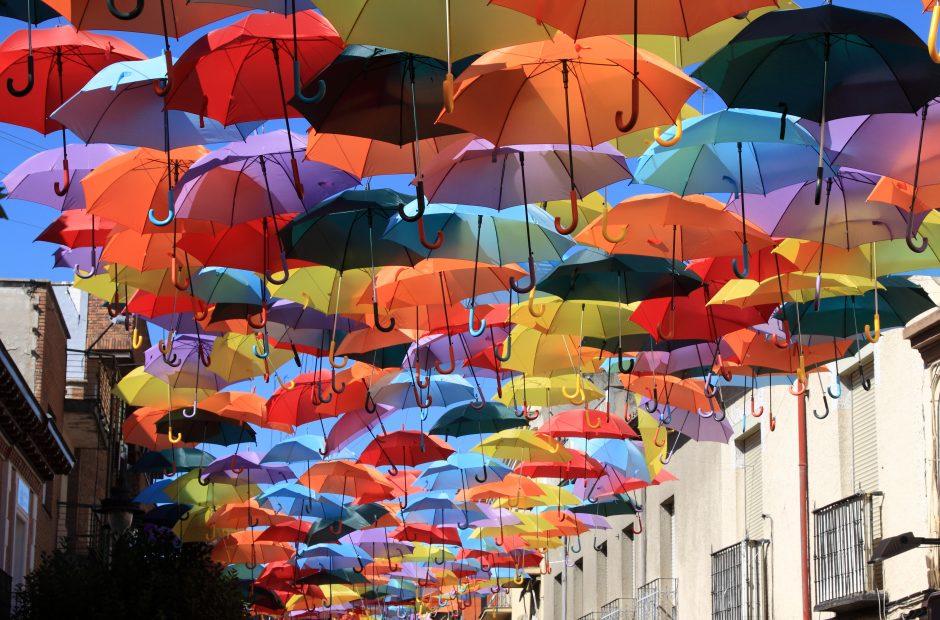 Sinoptikai ir per Žolinę ragina nepamiršti skėčių