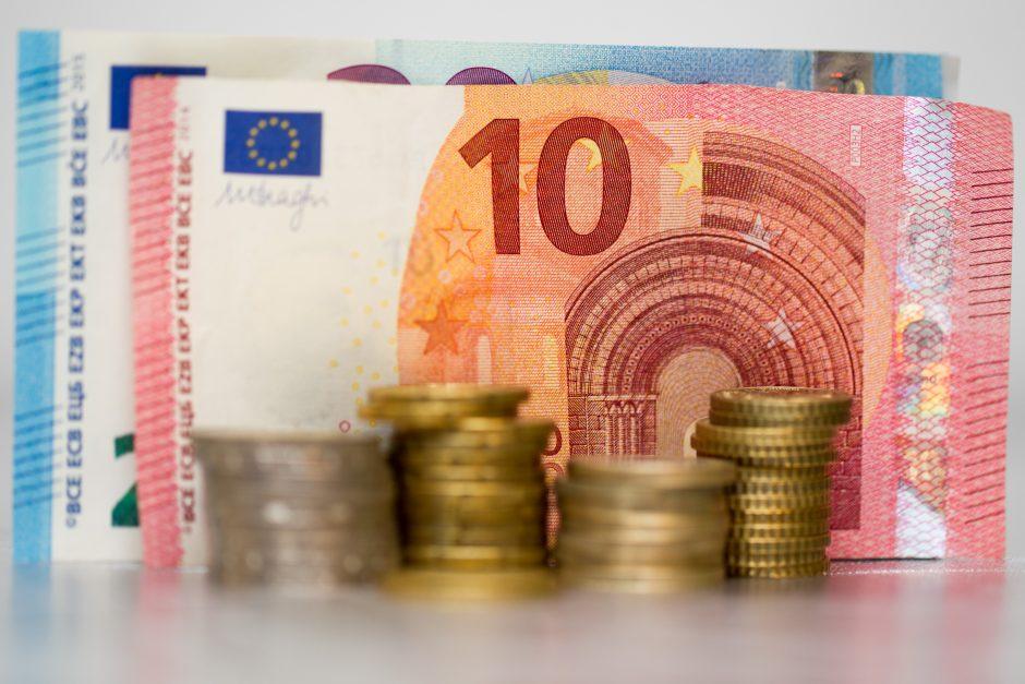 Ūkio ministras: 10 proc. pajamų kriterijaus įmonių sandoriams neliks