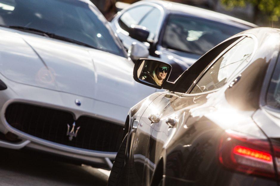 Vyras kaltinamas ketverius metus neteisėtai prekiavęs automobilių įranga