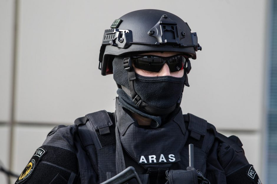 Spintoje rasta rankinė granata – netikra