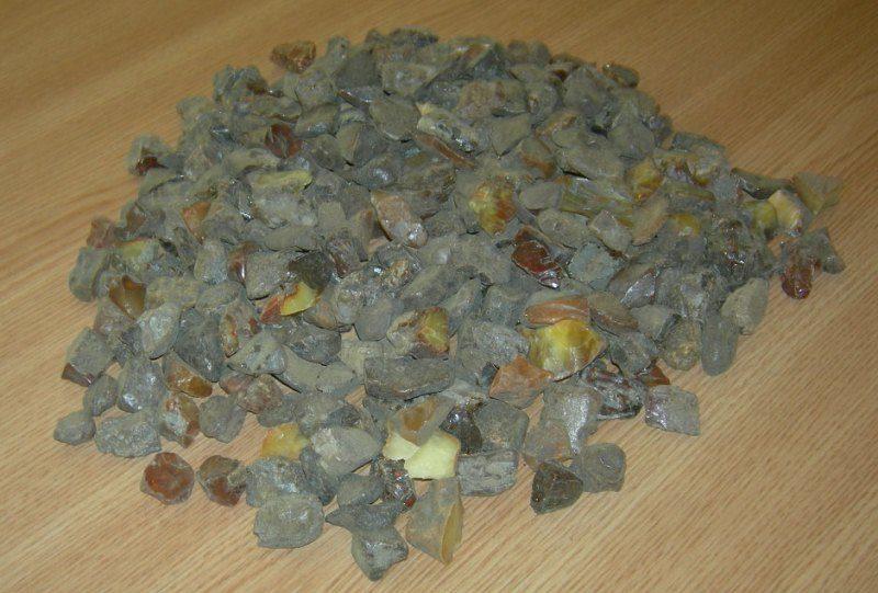 Baltarusis kilogramą gintaro slėpė kuprinėje