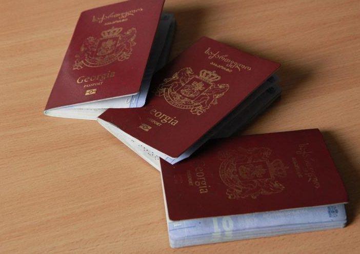 Į Lietuvą įvažiavę gruzinai savo pasus išmetė pro traukinio langą