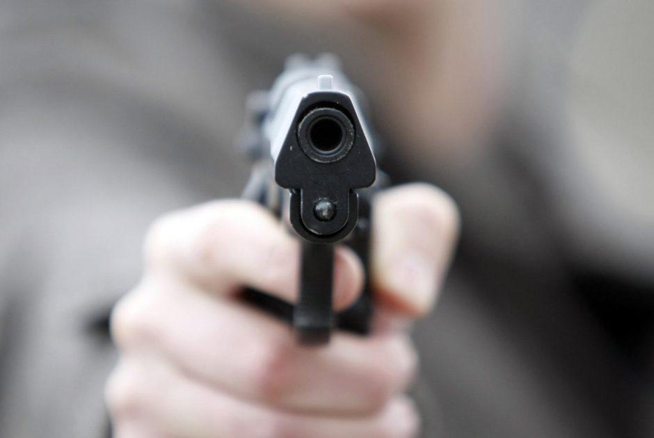 Vienas kaunietis prarado pistoletą, kitas aptiko per 100 šovinių