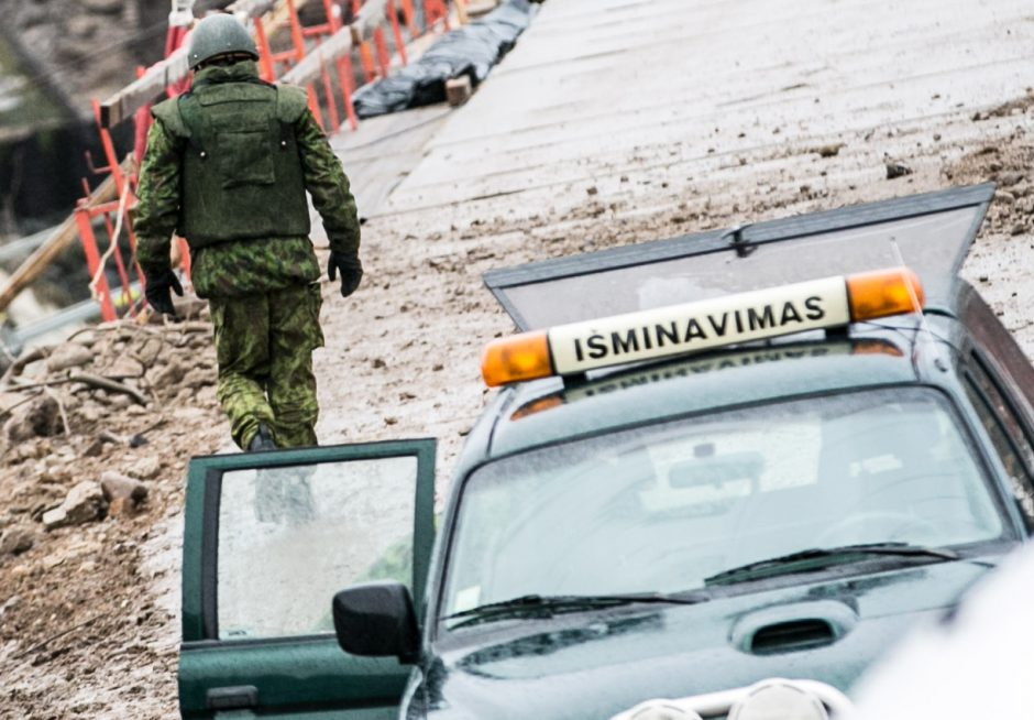 Vien per lapkritį kariuomenės išminuotojai sunaikino 70 sprogmenų