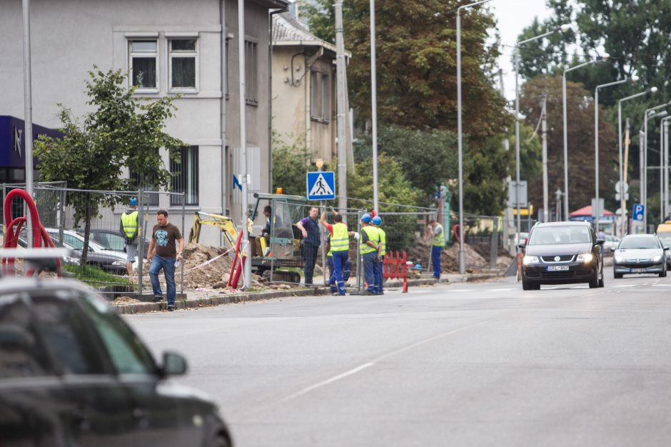 K. Petrausko gatvėje pėstiesiems tenka rizikuoti gyvybe