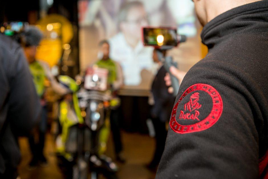 Dakaro ralyje debiutuosiančio Arūno Gelažninko komandos pristatymas