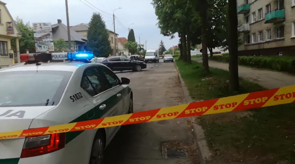 Per policijos operaciją Šiauliuose sužaloti trys pareigūnai