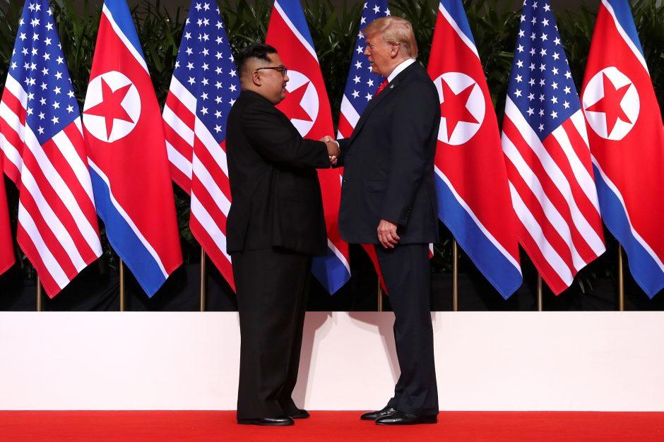 D. Trumpas: susitikimas su Kim Jong Unu padėjo pasauliui išvengti katastrofos