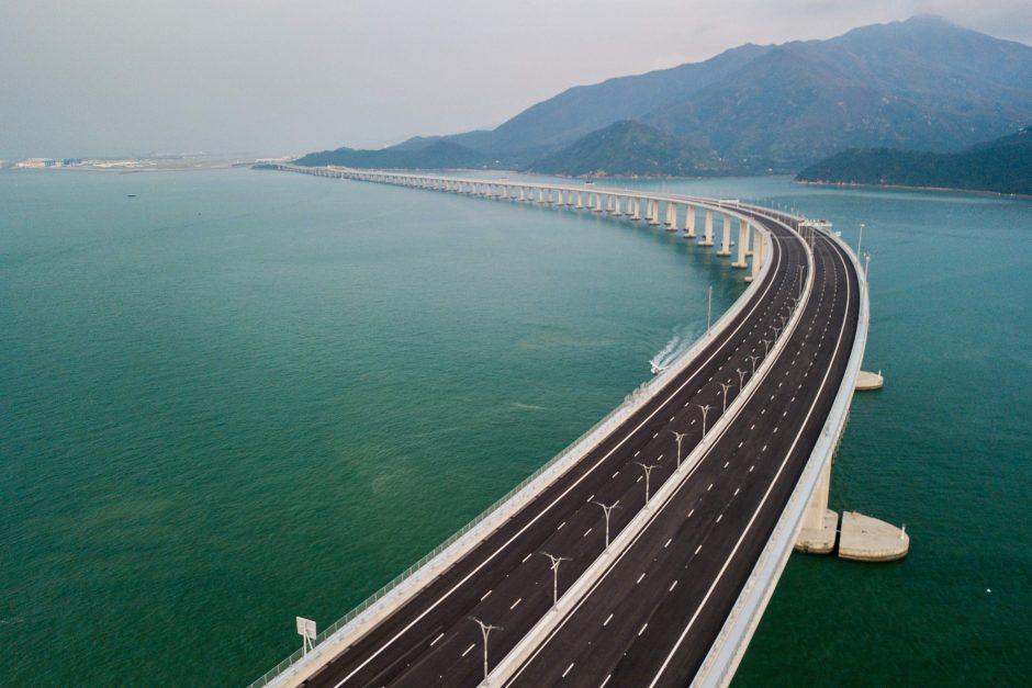 Kinijoje atidarytas ilgiausias pasaulyje tiltas