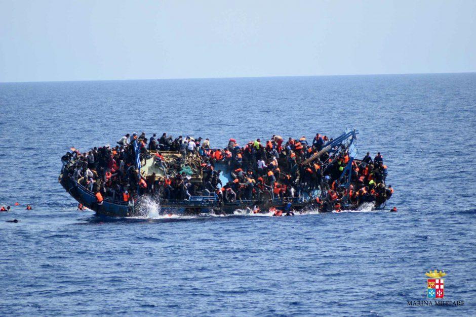 Viduržemio jūroje nuskendus dviem migrantų valtims dingo apie 250 žmonių