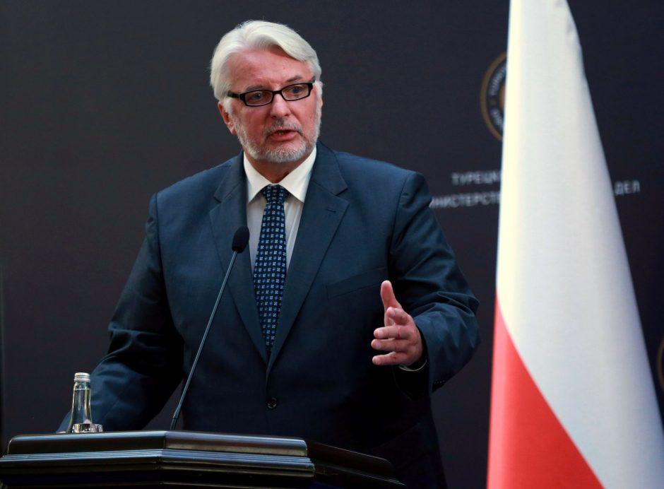 Lenkijos ministras tapo pašaipų objektu: įvardijo neegzistuojančią valstybę