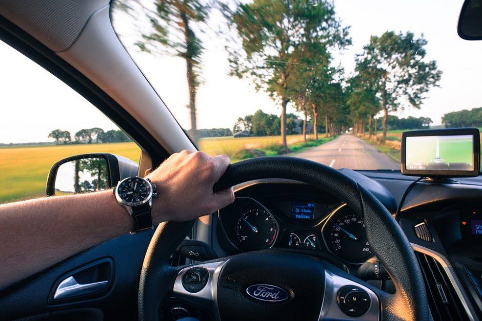 Kokį automobilį rinktis: benzininį, dyzelinį ar hibridinį?