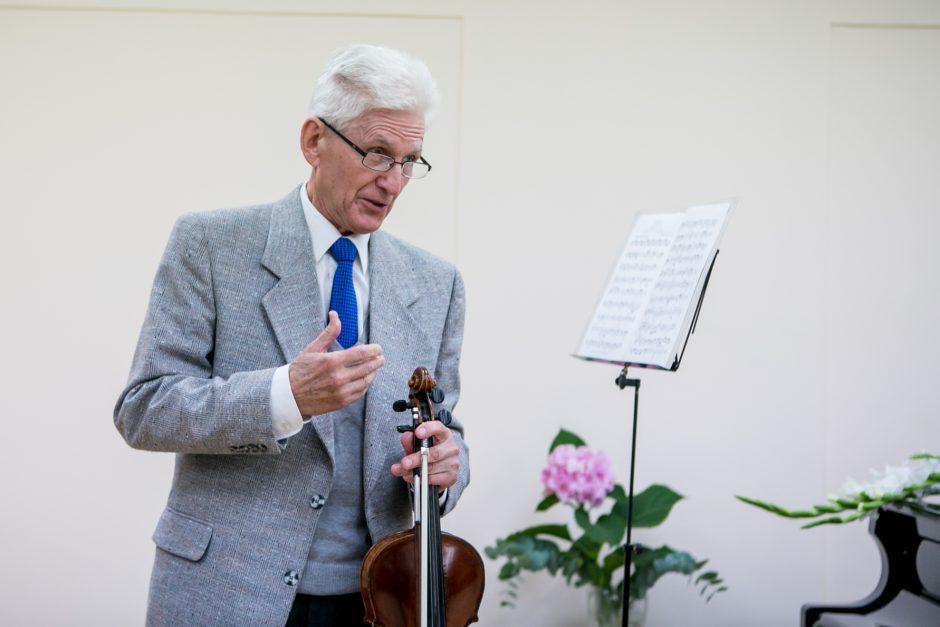 V. Varčikas – atvėręs širdį ne tik muzikai