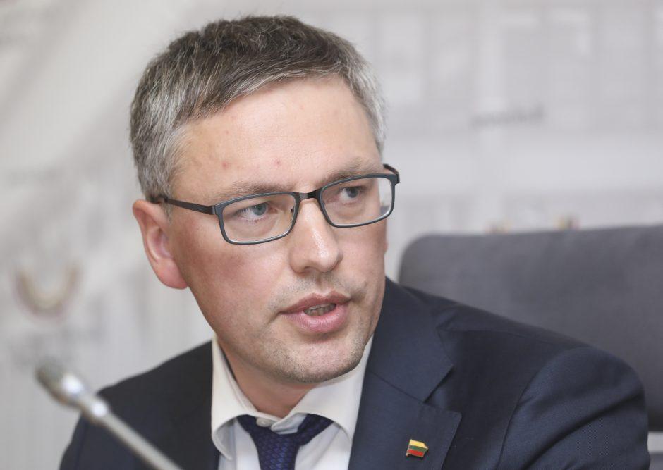 """V. Bakas: reikia tirti vieną stambiausių Lietuvos aferų – """"Leo LT"""""""