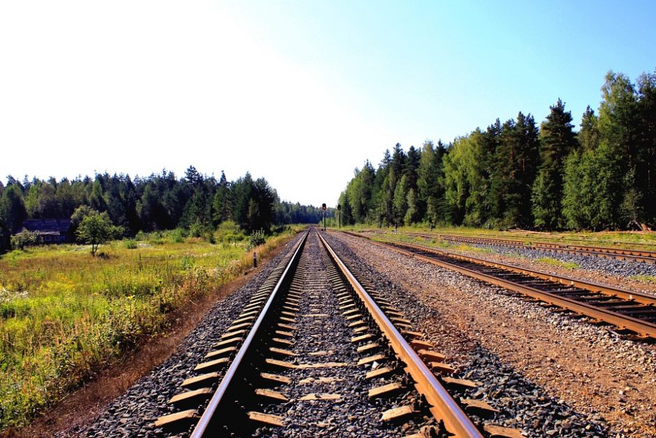 Į Pabradės poligoną bus tiesiamas geležinkelis