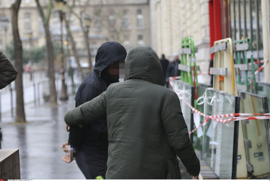 Dėl K. Kardashian apiplėšimo Paryžiuje sulaikyta 17 įtariamųjų