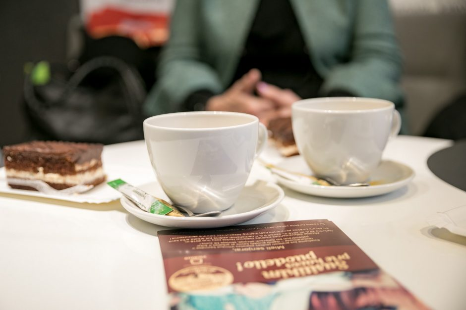 Vilniaus senjorams padovanota per 8 tūkst. kavos puodelių