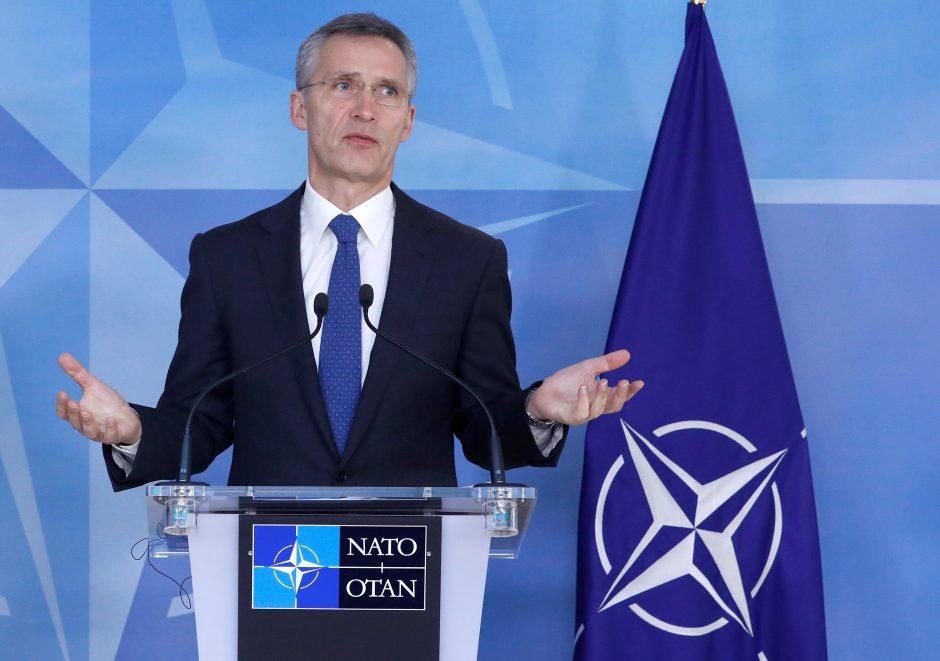 J. Stoltenbergas ragina Europą didinti išlaidas gynybai