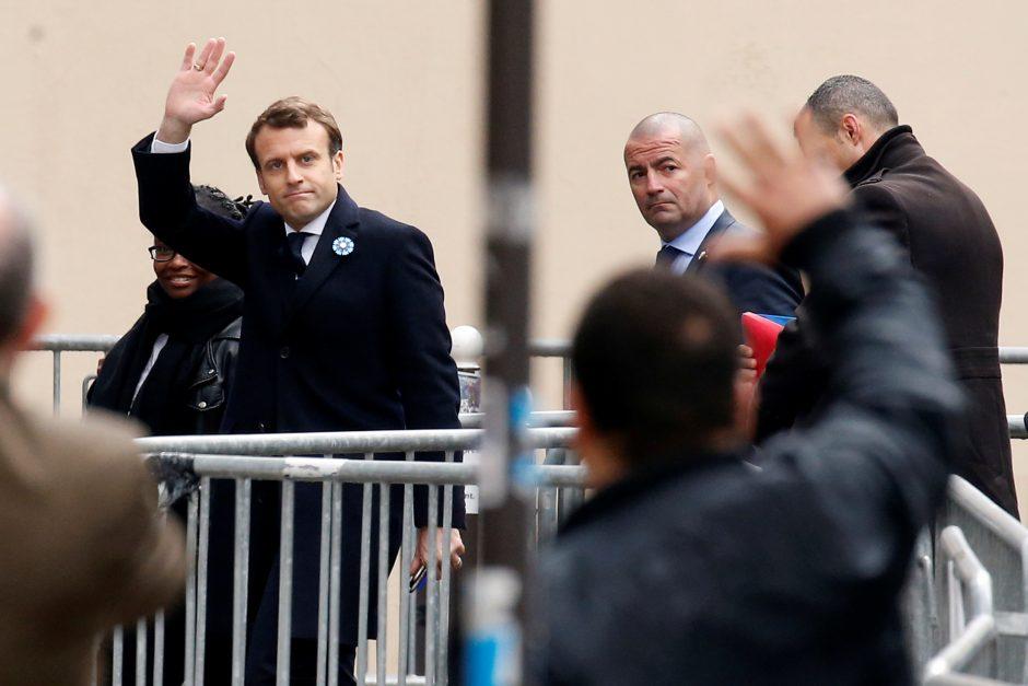 Už E. Macroną balsavo 10 milijonų rinkėjų daugiau negu už M. Le Pen