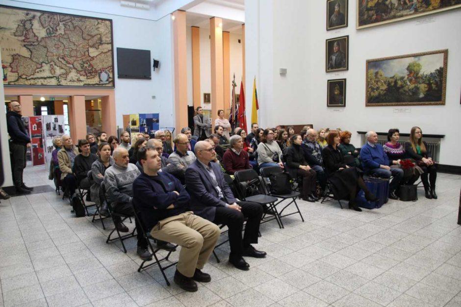 """Vytauto Didžiojo karo muziejuje pristatytas katalogas """"Žuvusiems už Lietuvos laisvę"""""""