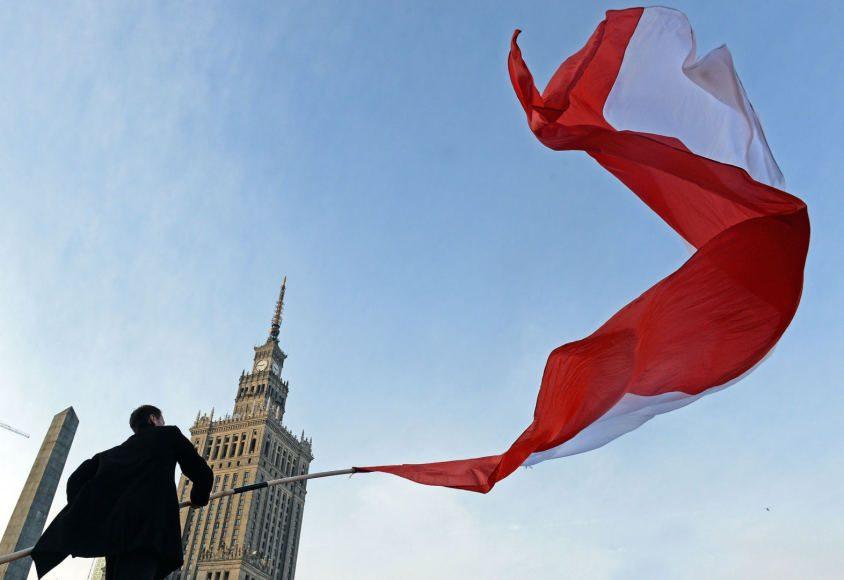 Lenkijos Aukščiausiasis Teismas vyriausybės reformas vadina antikonstitucinėmis