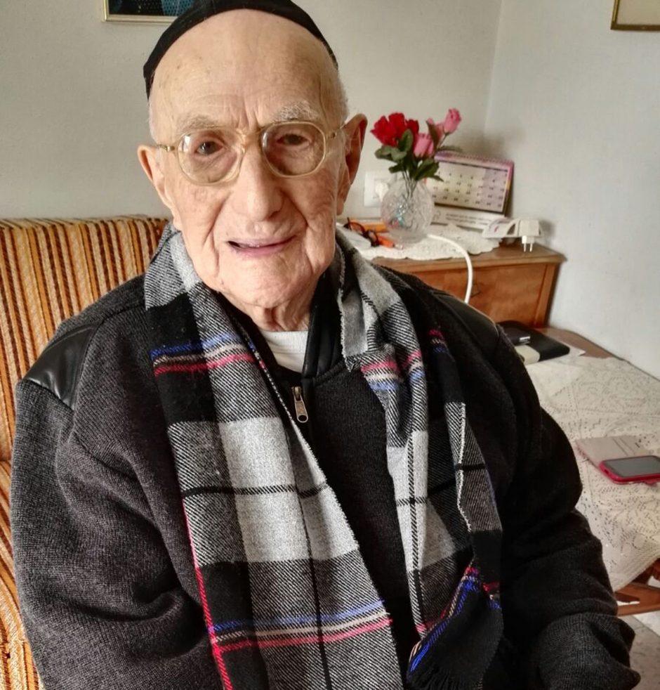 Izraelyje, būdamas 113 metų, mirė seniausias pasaulyje vyras