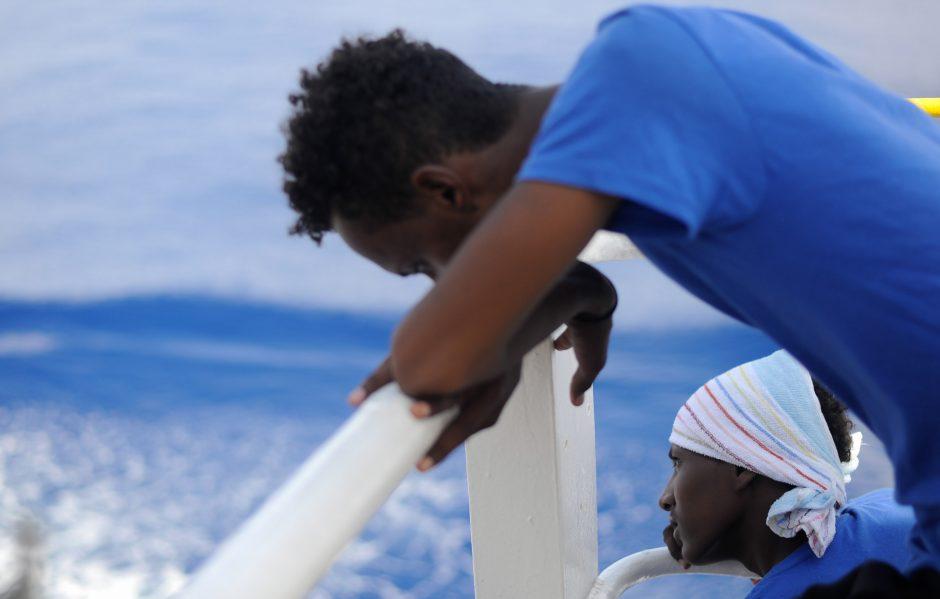Italija ir Malta atsisakė priimti laivą su migrantais